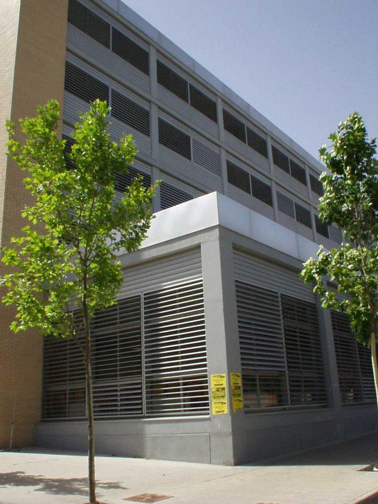 Celosías orientables Umbelco UPO-150 y revestimiento de fachadas Umbelco UPR-150