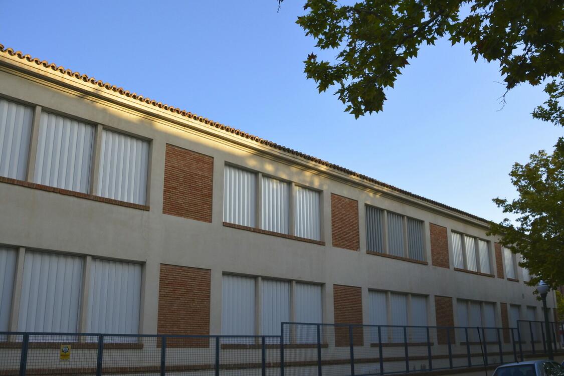 Vista parcial de la fachada terminada
