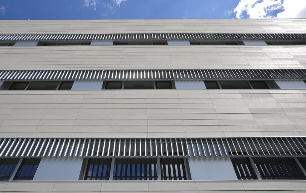Celosías de aluminio para hospitales