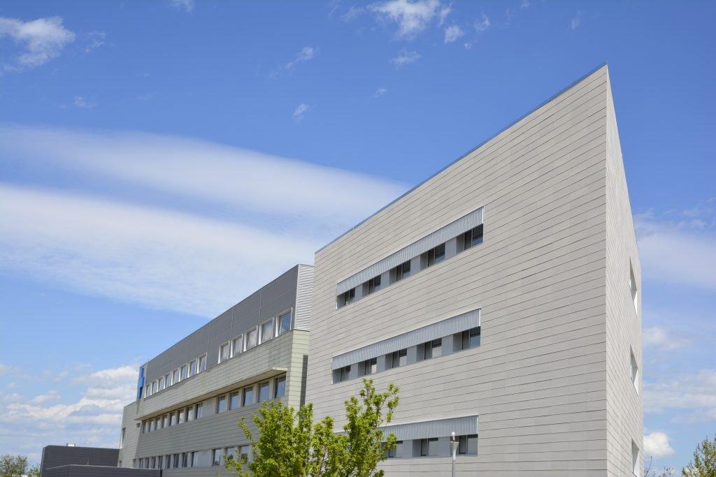 Celosías de aluminio para arquitectura hospitalaria