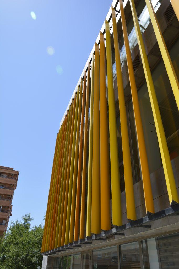 Celosías de aluminio de grandes palas Umbelco UPO-600