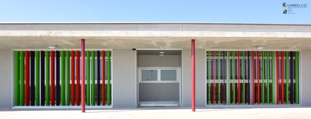 Celosías orientables de aluminio UPO-250 para colegios (Zaragoza Sur)