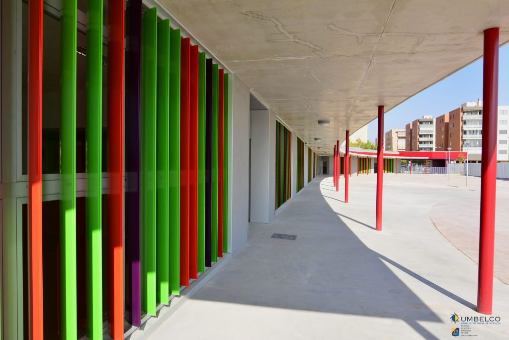 Lamas orientables en colores para educación