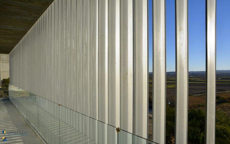 Celosías de lamas de aluminio perforadas
