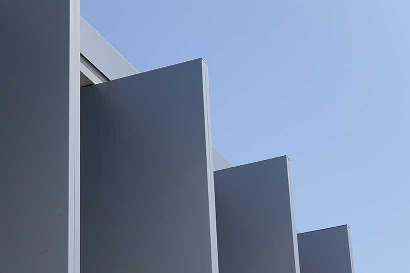 celosias de lamas de aluminio fachada edificio umbelco
