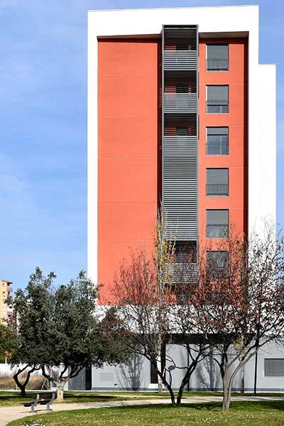celosias lamas orientables aluminio upo 150 edificio zaragoza