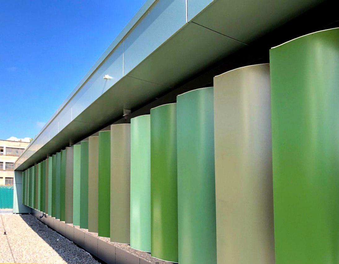protección solar con grandes palas de aluminio